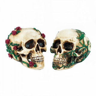 His & Hers Skull Figurines - Giftspiration