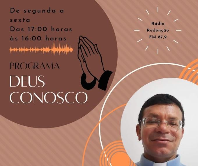 """Programa """"Deus conosco""""  com o pároco Geovanio na programação da rádio Redenção Fm 87.9"""
