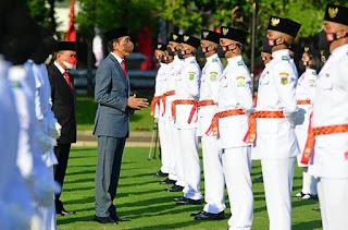 Presiden Joko Widodo Kukuhkan 68 Anggota Paskibraka 2021