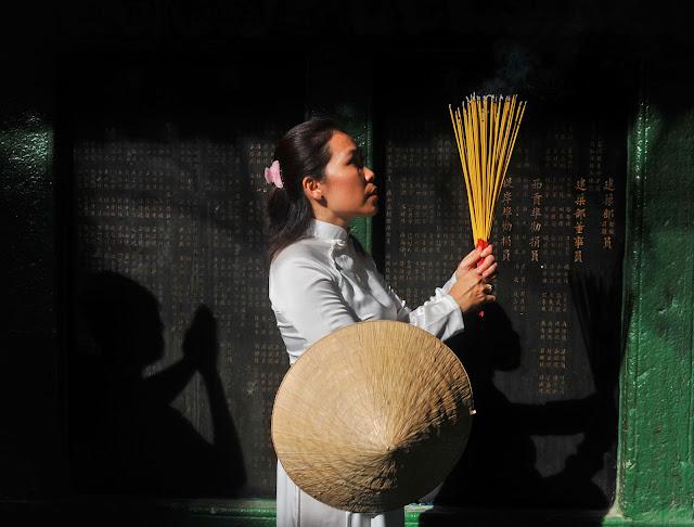 Photo shoot tour in Saigon with Ao Dai
