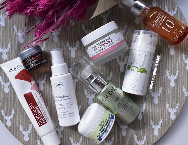 Productos acabados de cuidado facial: cremas, sérums y contornos de ojos