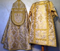 New Italian Vestment Maker: Sacra Domus Aurea