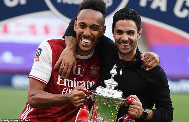 """Arsenal - Aubameyang """"vô đối"""" FA Cup: Đón mưa kỷ lục, triệu fan vỡ òa 4"""