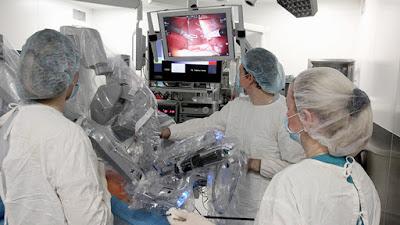 robot médico Da Vinci, en cirugìa