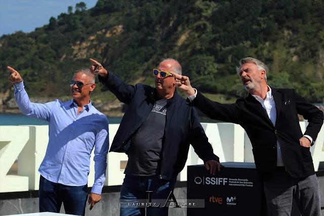 Sam Neill, Roger Michell y David Bernardi en el Festival de San Sebastián