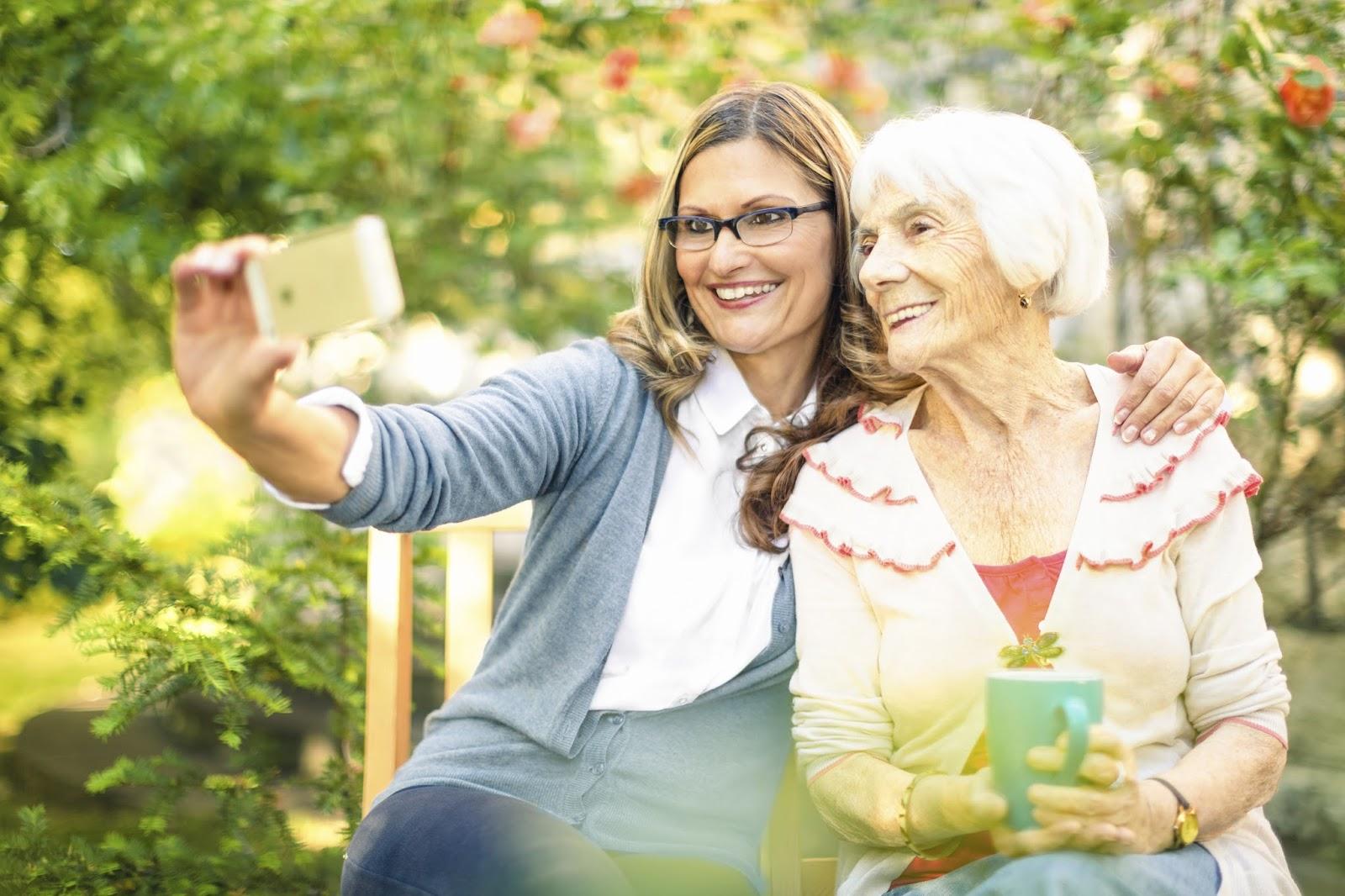 Zukunft Als Senioren Assistent Senioren Betreuer Die Perfekte
