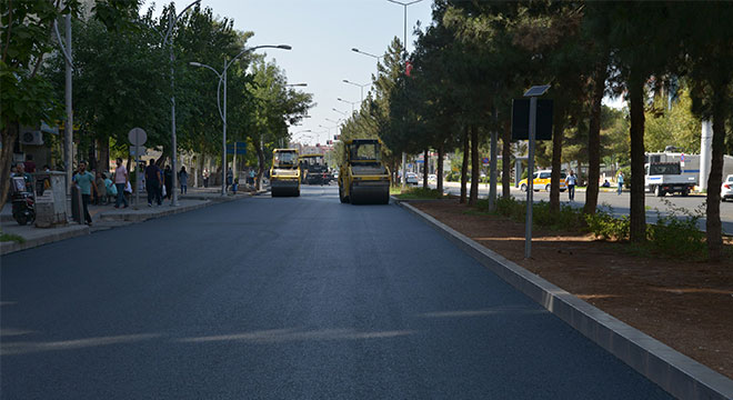 Diyarbakır'da Elazığ Caddesi'nde asfalt çalışması tamamlandı