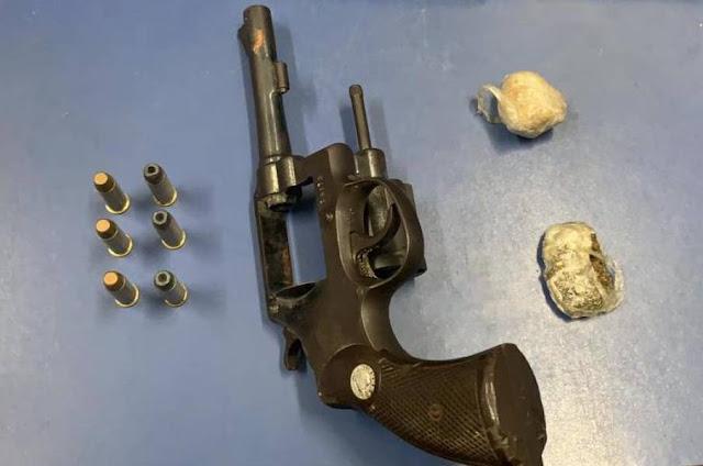 Jovens são presos com drogas e arma de fogo no Residencial Maria Moura, em Vilhena