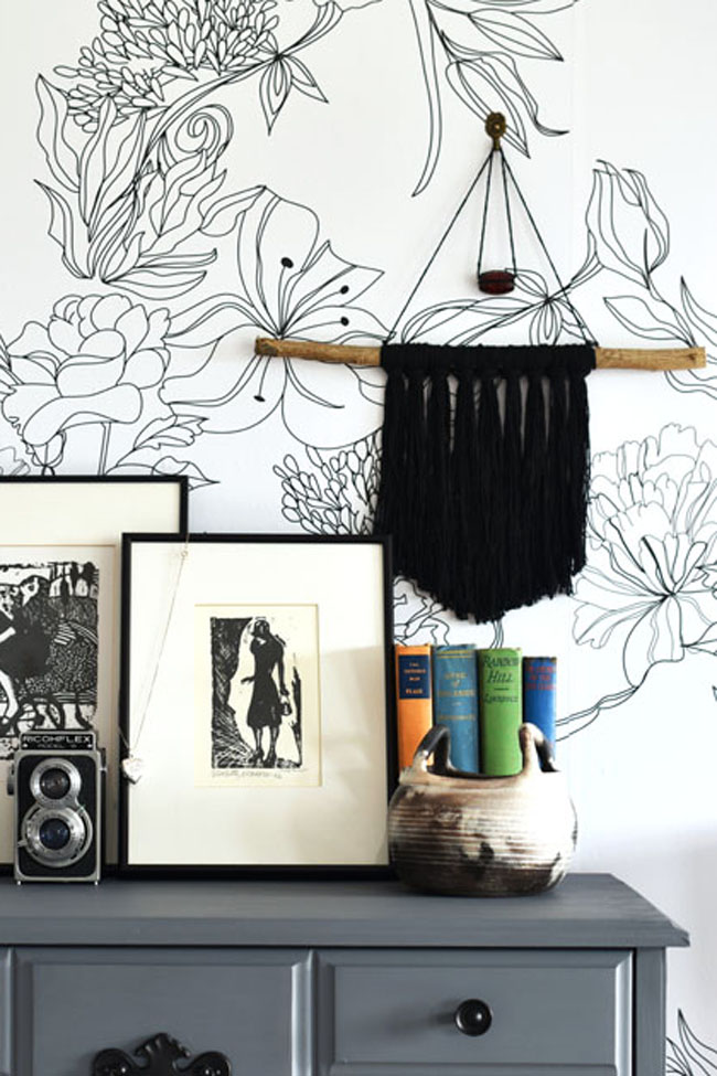 A DIY boho yarn wall hanging for under $2.