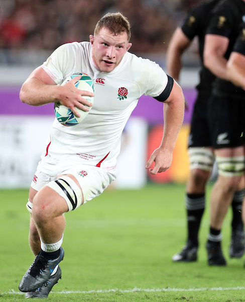 Sam Underhill carries the ball for England in the RWC semi-final against New Zealand