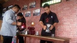 East Indische coffe: Seorang Barista Harus Menguasai Metode