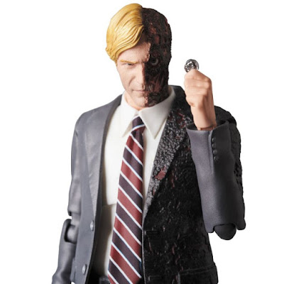 Harvey Dent MAFEX No. 54 de Batman Dark Knight - Medicom Toy