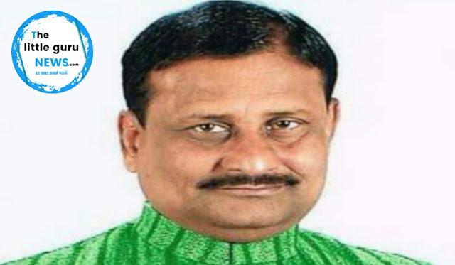 चिरैया एंव घोड़ासहन के पूर्व विधायक श्री लक्ष्मी नारायण यादव हमलावर