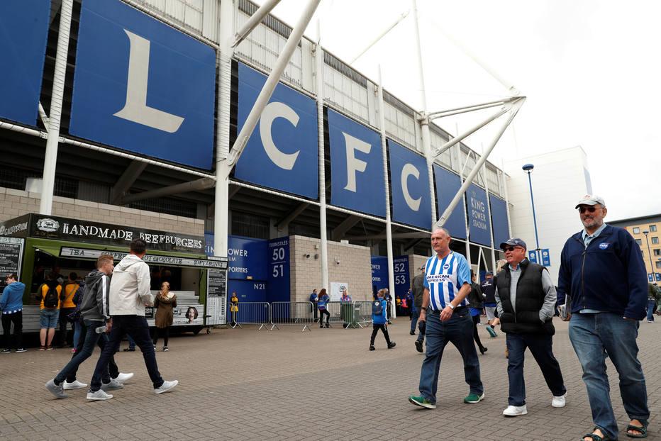 Dois torcedores do Leicester são presos por gritos homofóbicos