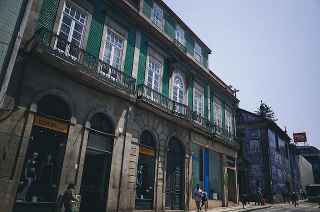 フェルナンデス・トーマス通り(Rua de Fernandes Tomás)