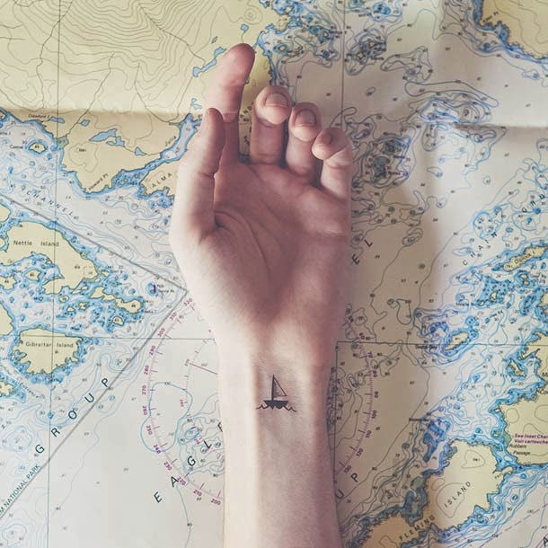 ©Austin Tott - Tiny Tattoos