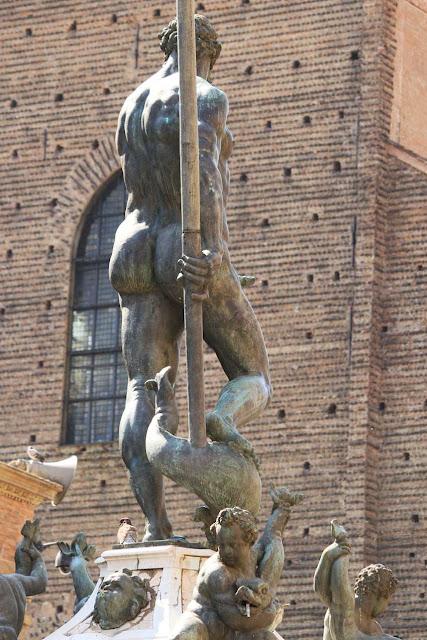 Siedem sekretów Bolonii, o których dowiesz się od jego mieszkańca. Co zobaczyć w Bolonii?