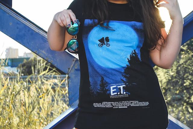 camiseta de E.T en negra