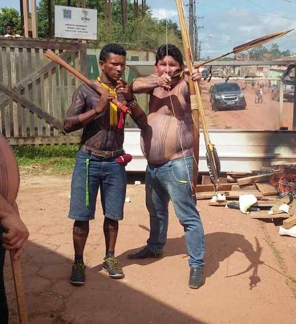 Índios invadem sede do IBAMA em Altamira.