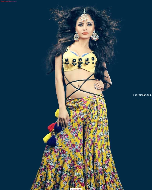 Gehana Vasisth Hot Photos in Lingerie, Bikini- Boobs cleavage Pics