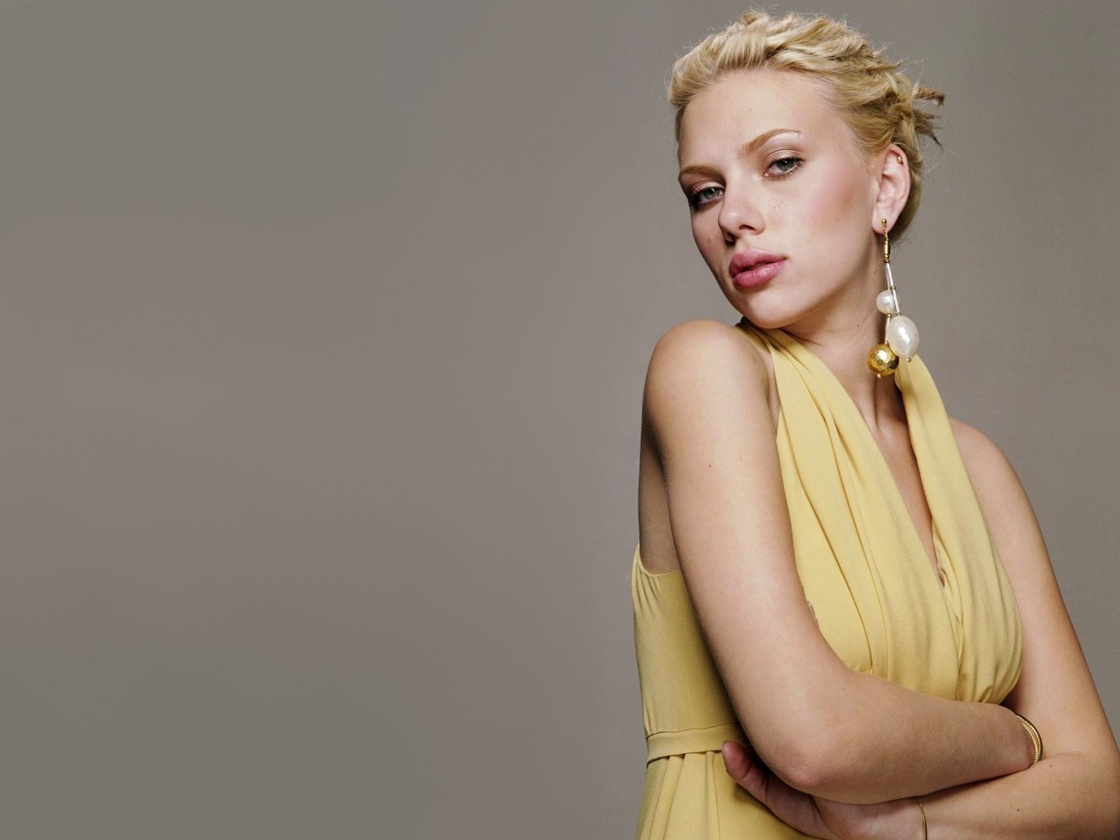 Scarlett Johansson Wallpaper: Scarlett Johansson Profile And Latest Hot Wallpaper