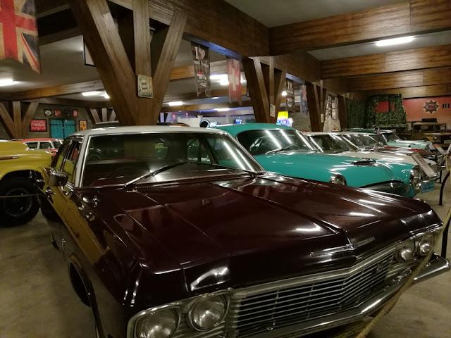 Mobil tua di museum angkut