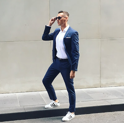 HOW TO WEAR SUIT WITH TRAINERS