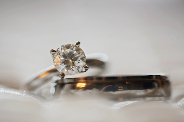 What You Need To Know About Buying Insurance For Colored Diamond Rings