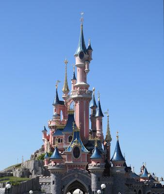 オーロラ城 眠れる森の美女の城
