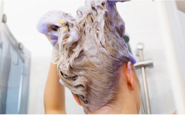 Cuidados que seu cabelo descolorido NECESSITA