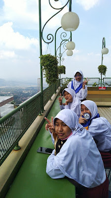 Sky Garden Cafe & Resto Bandungan