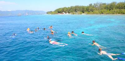 Snorkeling to Gili Trawangan