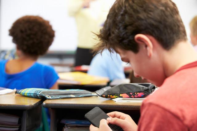 Telefonía móvil en Educación, Evaristo González, eldiariodelaeducacion, Enseñanza UGT Ceuta, Blog de Enseñanza UGT Ceuta
