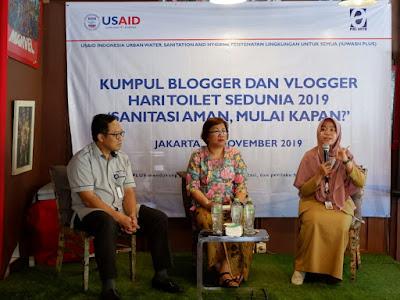 narasumber talkshow pada Hari Toilet Sedunia