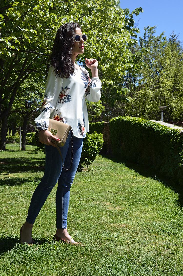 blusa_estampada_flores_jeans_ootd_look_trends_gallery