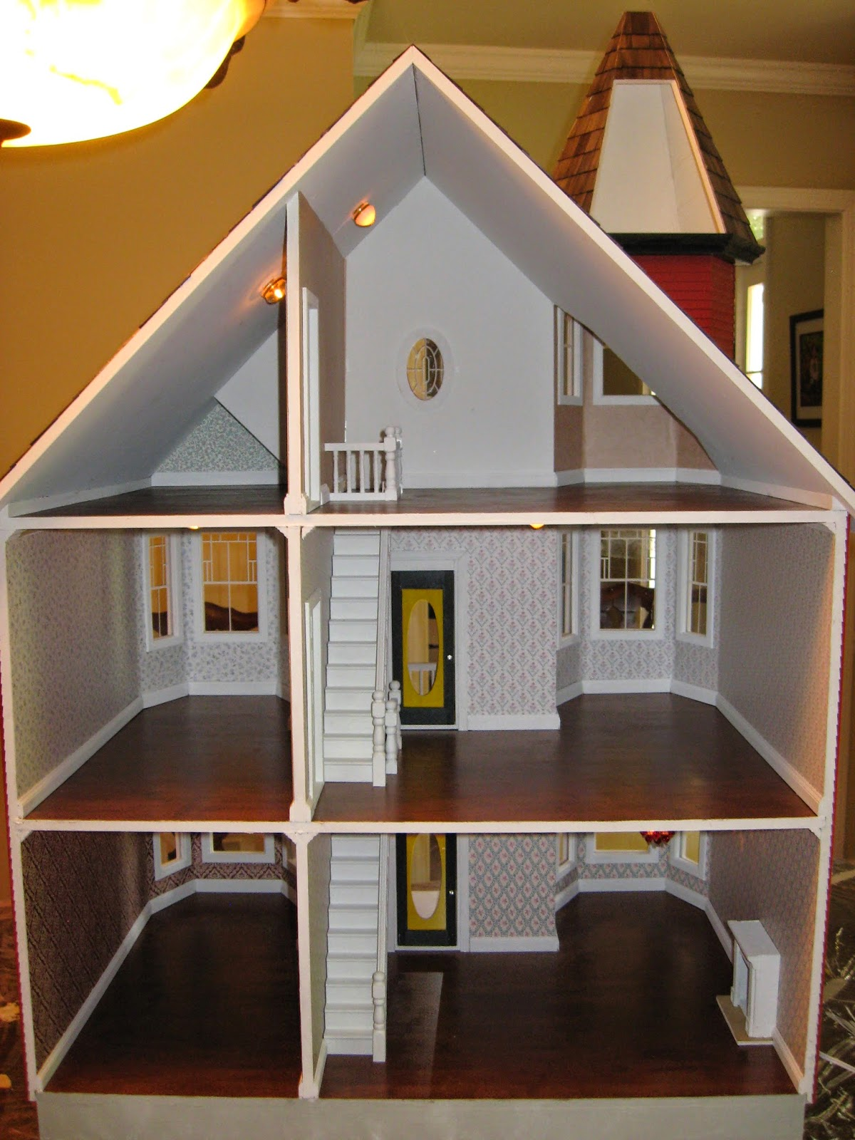 Little Darlings Dollhouses Building The Painted Lady