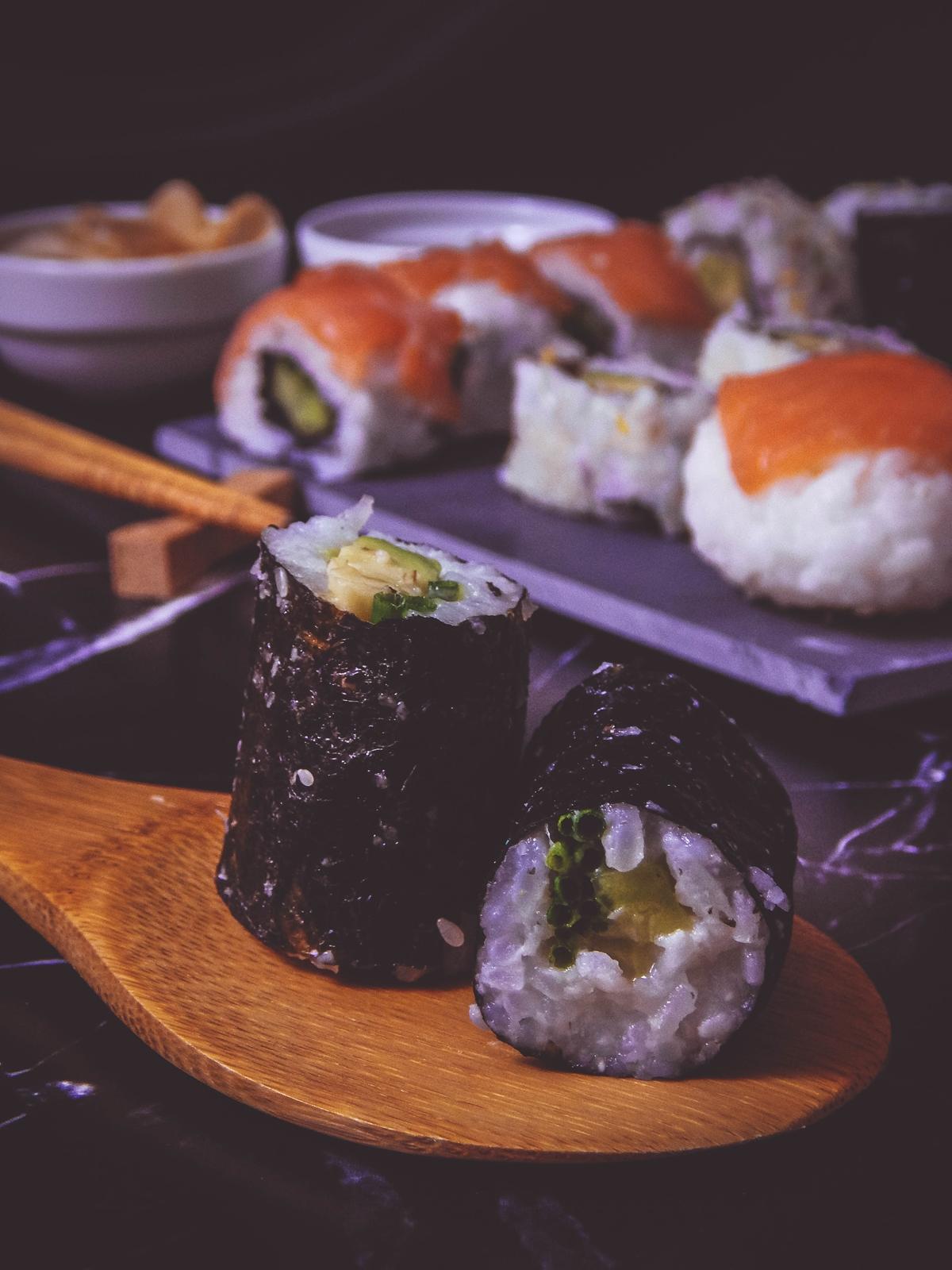 przepis na sushi jak zrobić sushi sushi bez surowej ryby z wędzonym łososiem dragon sushi przepis pomysły rodzaje sushi blog kulinarny melodylaniella łódź blogerka łódzka hoso maki