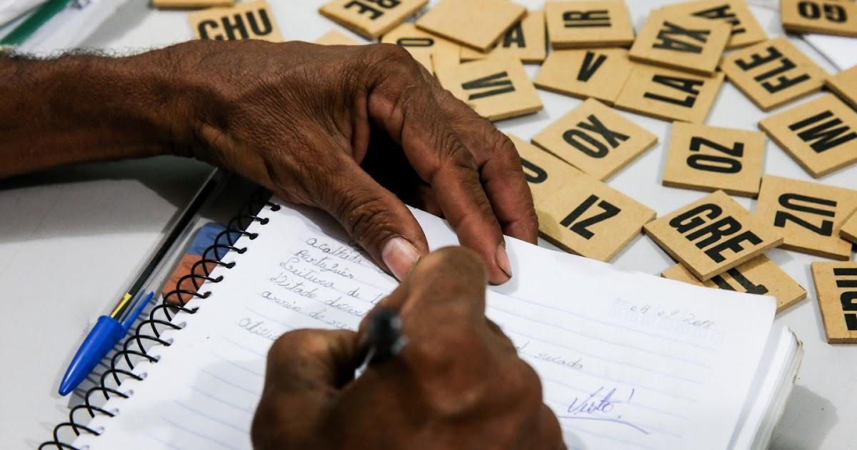 Resultado de imagem para Metade dos negros com mais de 25 anos não concluiu Ensino Fundamental no Ceará
