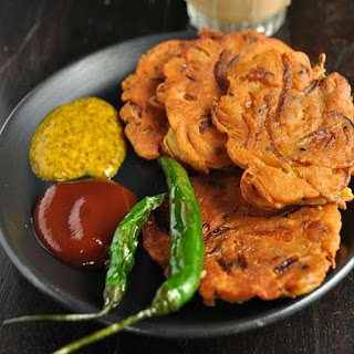 Telebhaja or kachri is the best food for kolkata people