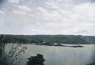pemandangan semenanjung di parapat dan danau toba