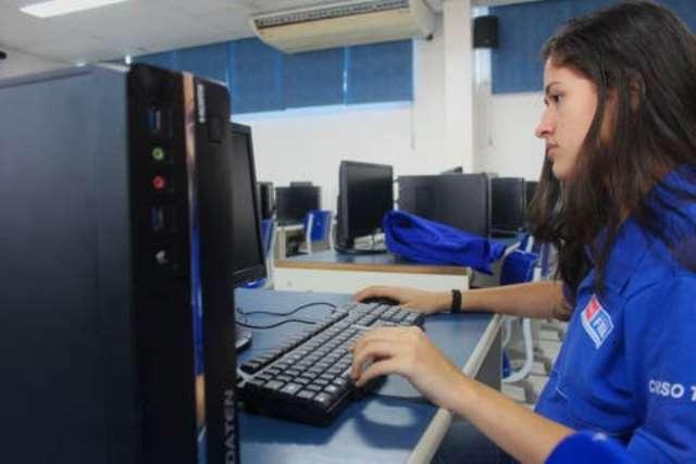 Senai Bahia oferece 1.680 vagas gratuitas para cursos de aperfeiçoamento e qualificação profissional