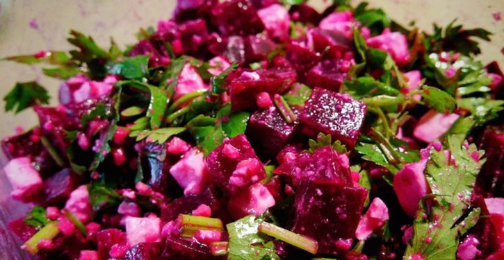 Beet Salad With Feta That Fights Inflammation, Detoxifies The Liver, Treats Anemia And Is So Delicious