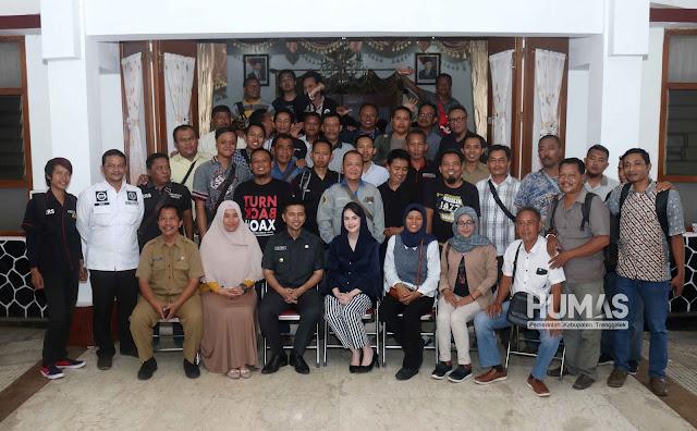 Arumi Bachsin Berbagi Pengalaman Pindahan dengan Awak Media