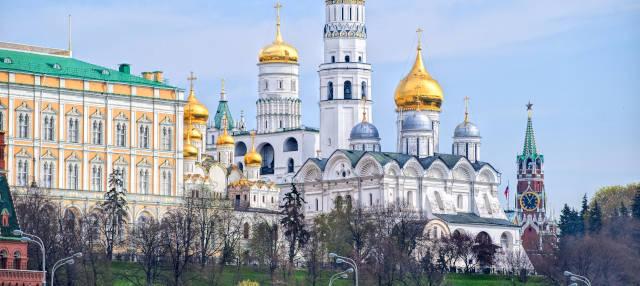 Πώς παίζει η Μόσχα το χαρτί της «στρατηγικής διαφοροποίησης»