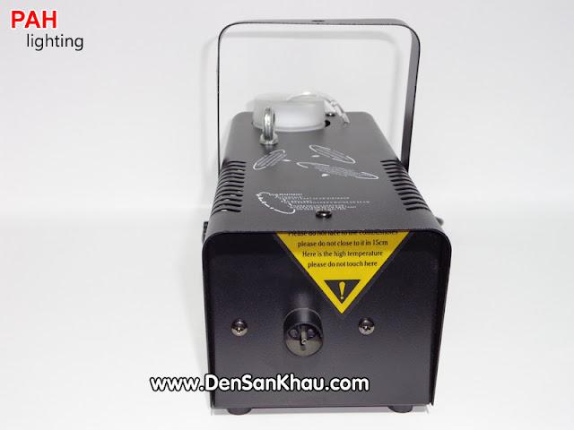 Máy tạo khói làm nổi bật hiệu ứng đèn