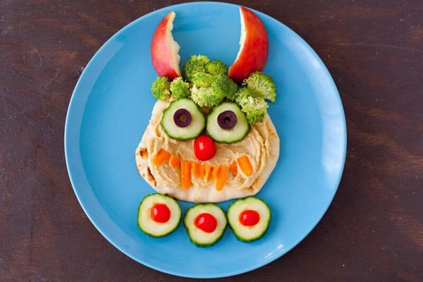 Hummus snack for kids healthy veggies superfood