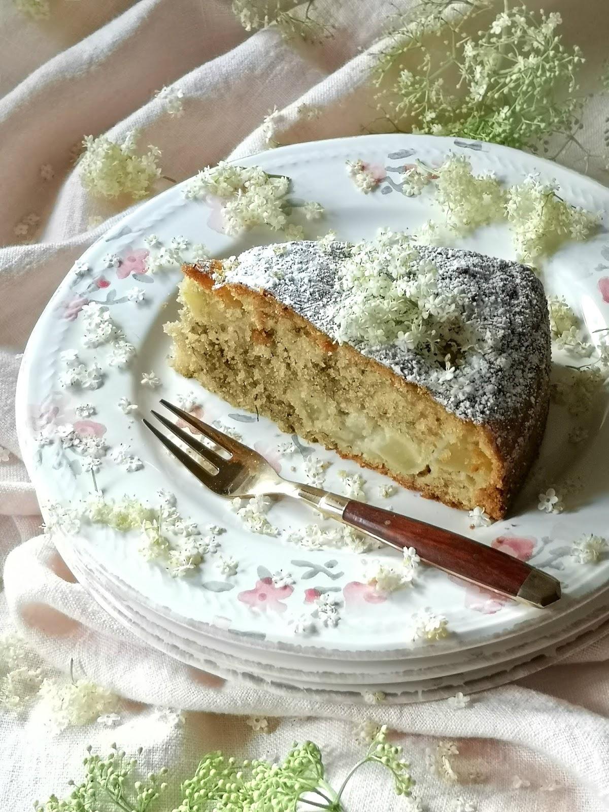 torta con il sambuco