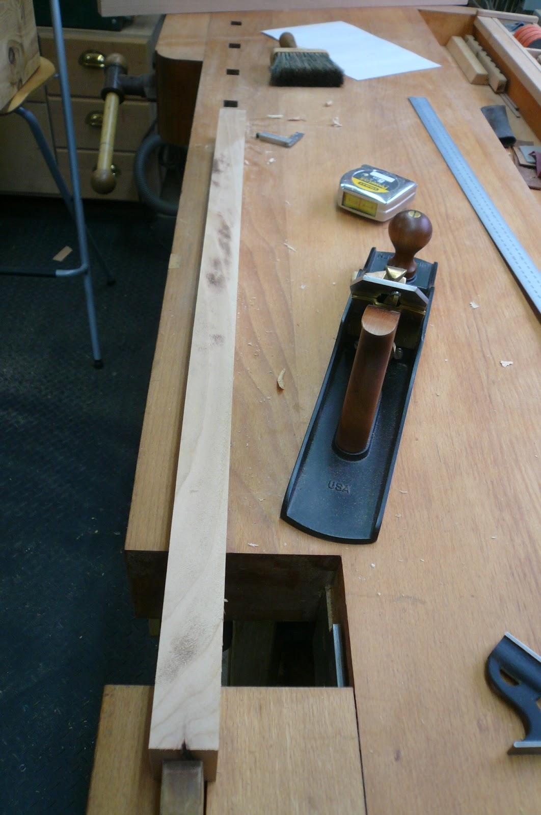 Holz zeitung kleiner schreibtisch for Kleiner schreibtisch holz