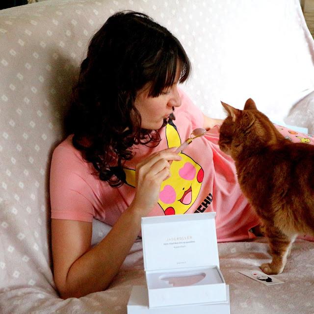 Je découvre le Roll On au Quartz de cehz Jade Roller... avec mon chat.