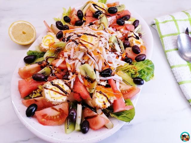 Ensalada con frutas de verano
